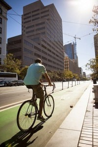 Protected bike lane in San Francisco (PeopleForBikes)