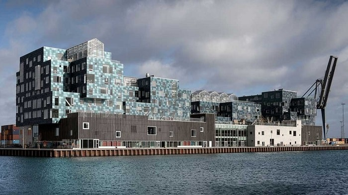 Copenhagen-International-School-Nordhavn-C-F-Moeller-Szene-by-day