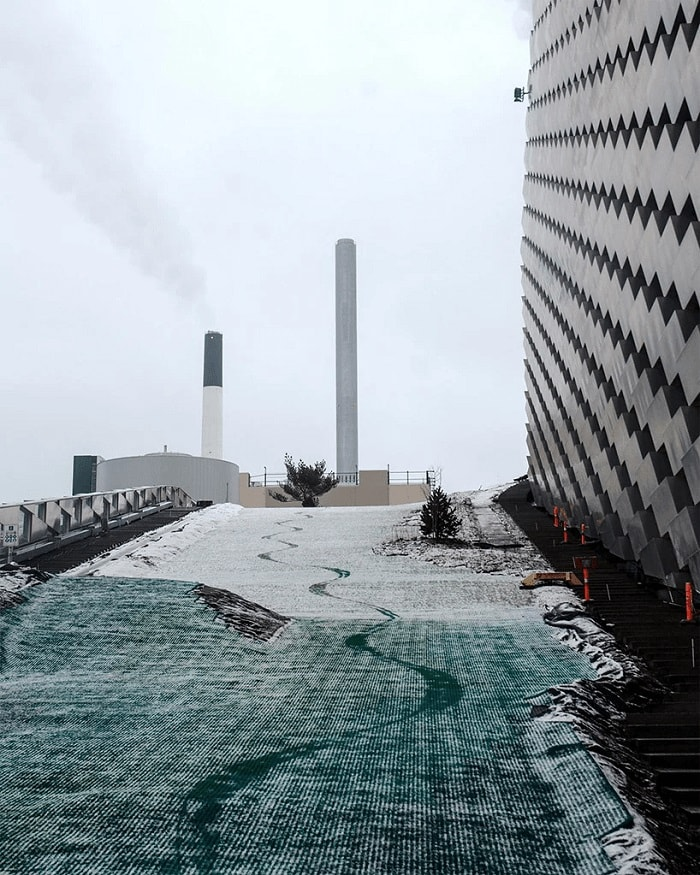 Bjarke Ingels Group - Ski slope in Copenhagen atop Amager Resource Centre